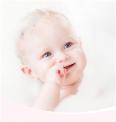 """洗澡小tips来支招,爱护婴儿洗发沐浴露教你正确""""洗娃""""姿势"""