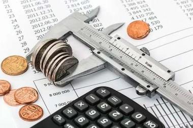 联合国贸发会议报告:全球上半年外国直接投资下降49%
