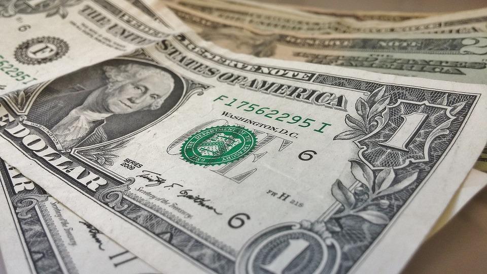 dollars-pixabay-426026_960_720.jpg