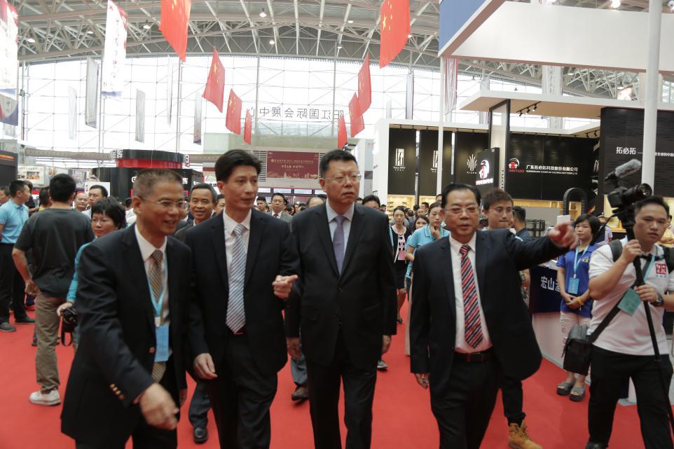 共襄刀剪盛会构建全球平台——第18届中国(阳江)国际五金刀剪博览会于18日开幕