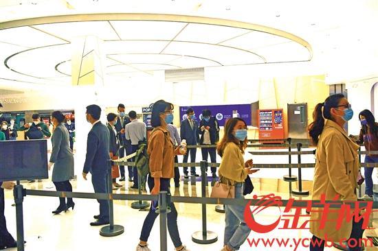 广州摩天大厦最密集地复工 见证中国服务业抗压前行