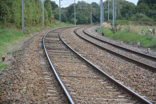 rails-railway-2747394__340.jpg
