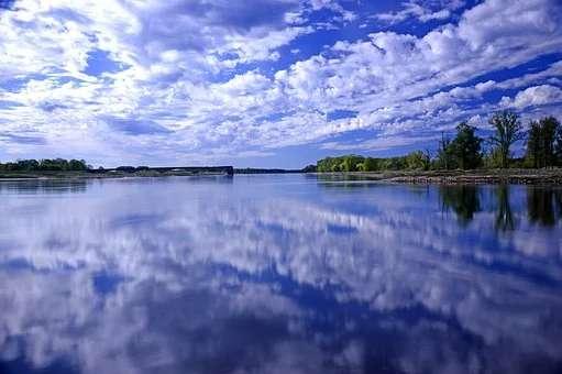 river-4154748__pixabay(1).jpg